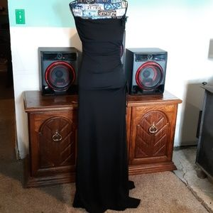 Floor length pretty black dress